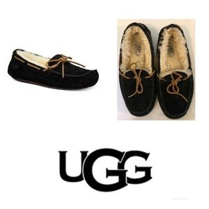 UGG Woman's Dakota Moccasins Slippers Black Size 9